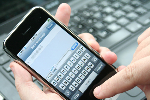 Send text messages to cell phones from your computer